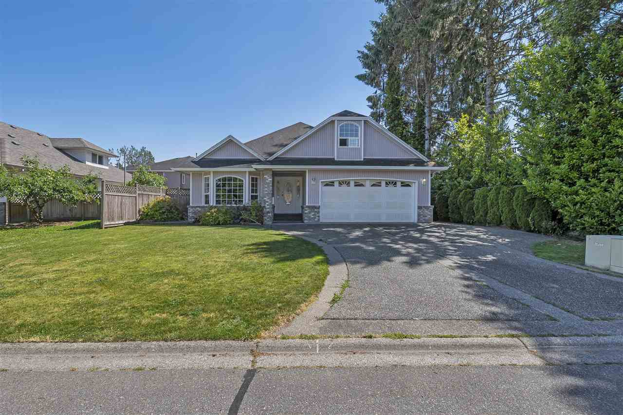 Main Photo: 10020 MERRITT Drive in Chilliwack: Fairfield Island House for sale : MLS®# R2184844
