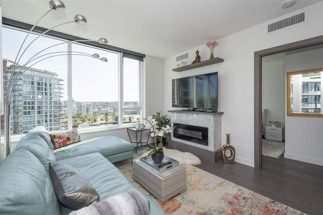 "Photo 8: Photos: 1908 68 SMITHE Street in Vancouver: Downtown VW Condo for sale in ""1 PACIFIC"" (Vancouver West)  : MLS®# R2216431"