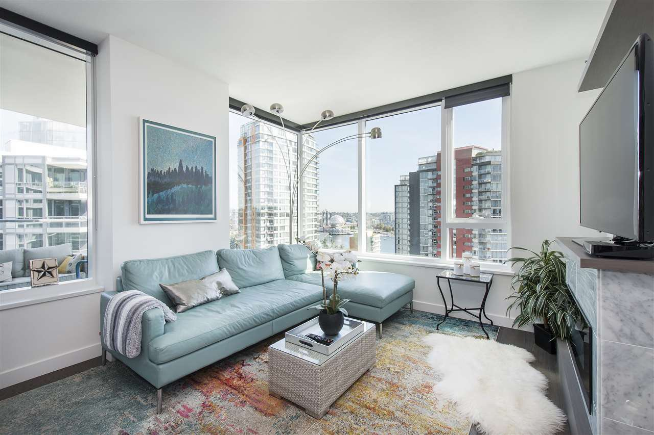 "Photo 9: Photos: 1908 68 SMITHE Street in Vancouver: Downtown VW Condo for sale in ""1 PACIFIC"" (Vancouver West)  : MLS®# R2216431"