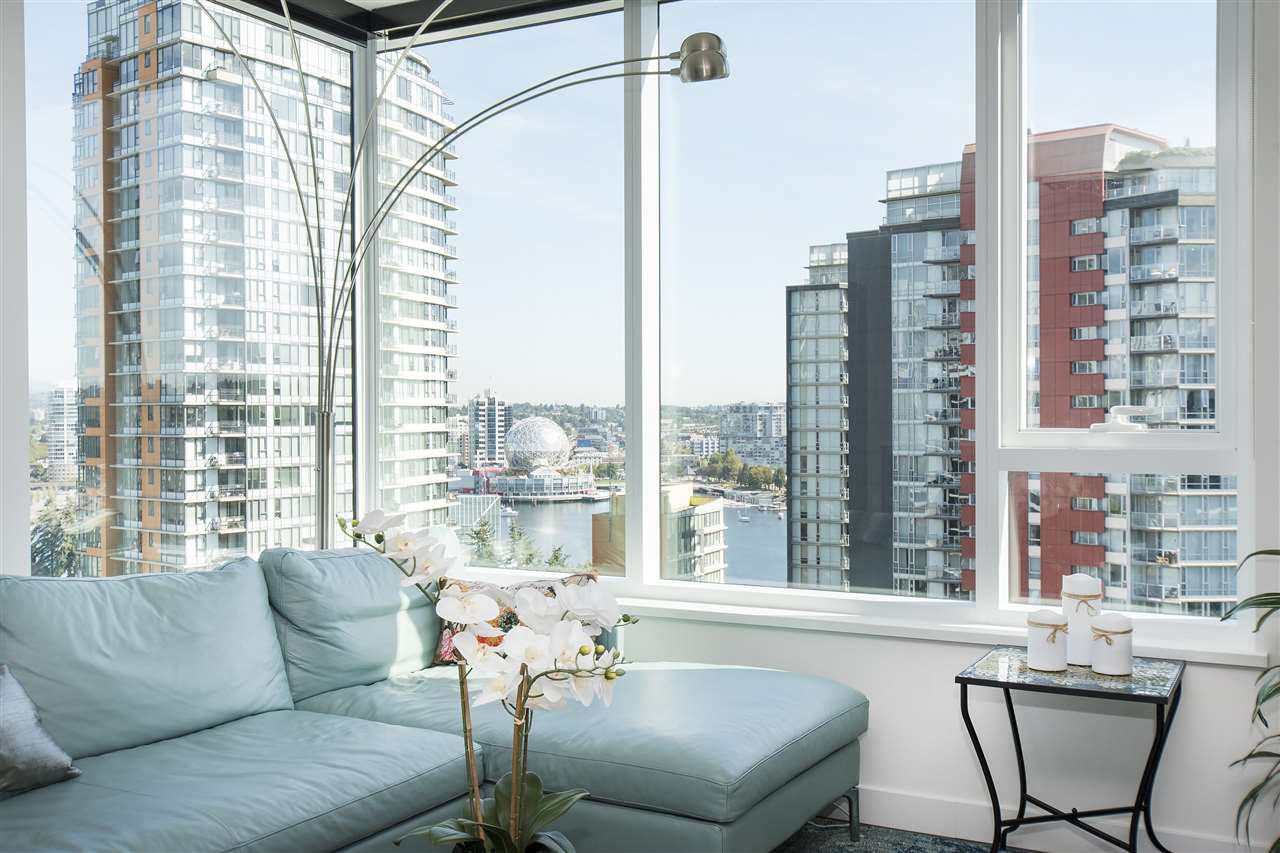 "Photo 7: Photos: 1908 68 SMITHE Street in Vancouver: Downtown VW Condo for sale in ""1 PACIFIC"" (Vancouver West)  : MLS®# R2216431"