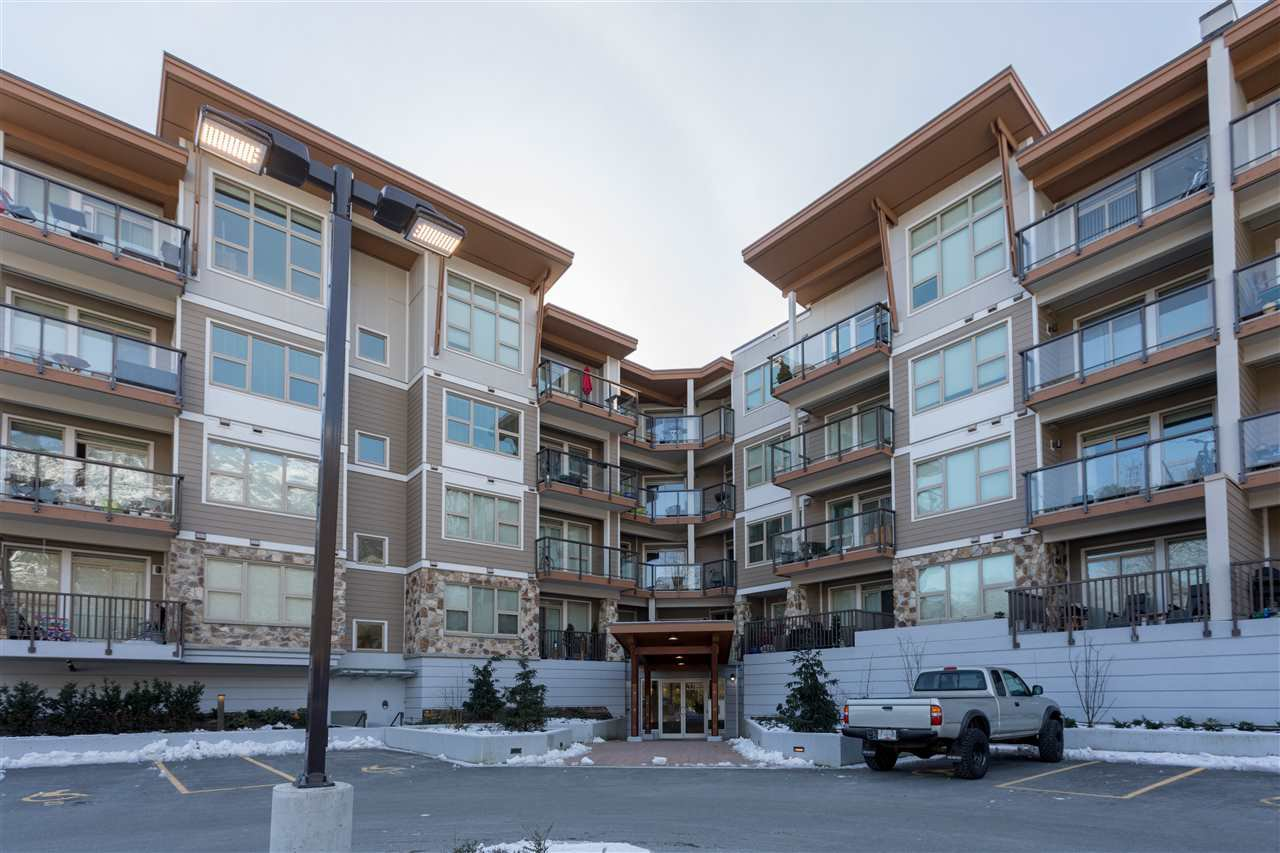 """Main Photo: 405 1150 BAILEY Street in Squamish: Downtown SQ Condo for sale in """"PARKHOUSE"""" : MLS®# R2242414"""