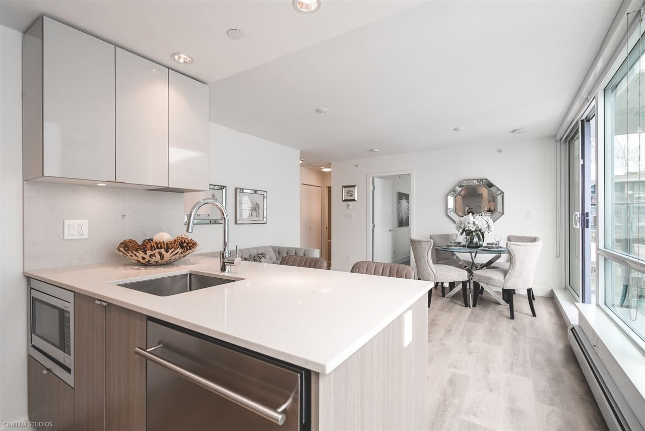 """Photo 7: Photos: 506 1788 COLUMBIA Street in Vancouver: False Creek Condo for sale in """"EPIC AT WEST"""" (Vancouver West)  : MLS®# R2267401"""