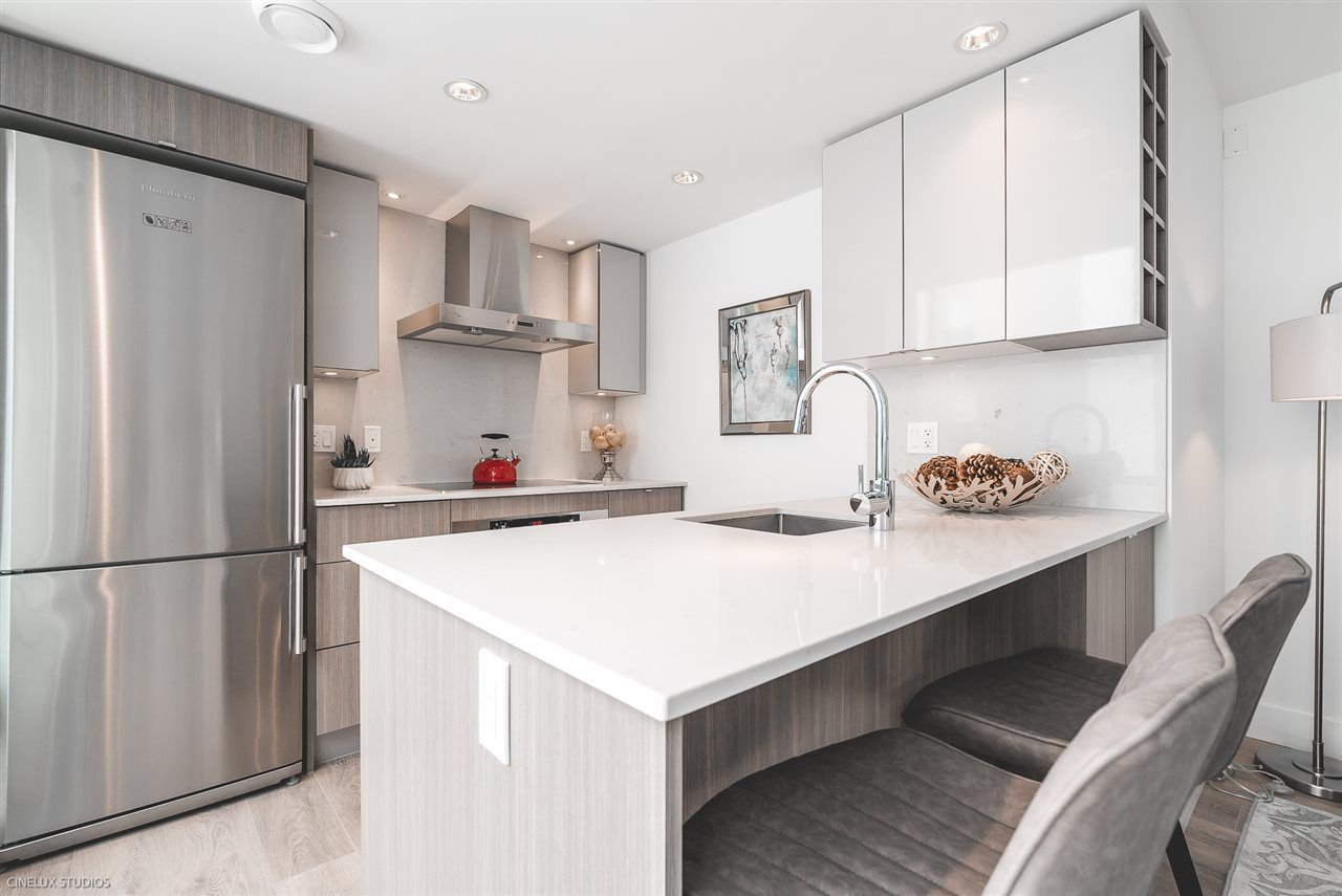 """Photo 5: Photos: 506 1788 COLUMBIA Street in Vancouver: False Creek Condo for sale in """"EPIC AT WEST"""" (Vancouver West)  : MLS®# R2267401"""