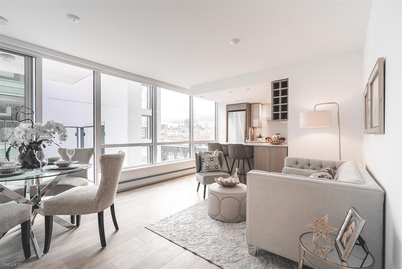 """Photo 3: Photos: 506 1788 COLUMBIA Street in Vancouver: False Creek Condo for sale in """"EPIC AT WEST"""" (Vancouver West)  : MLS®# R2267401"""