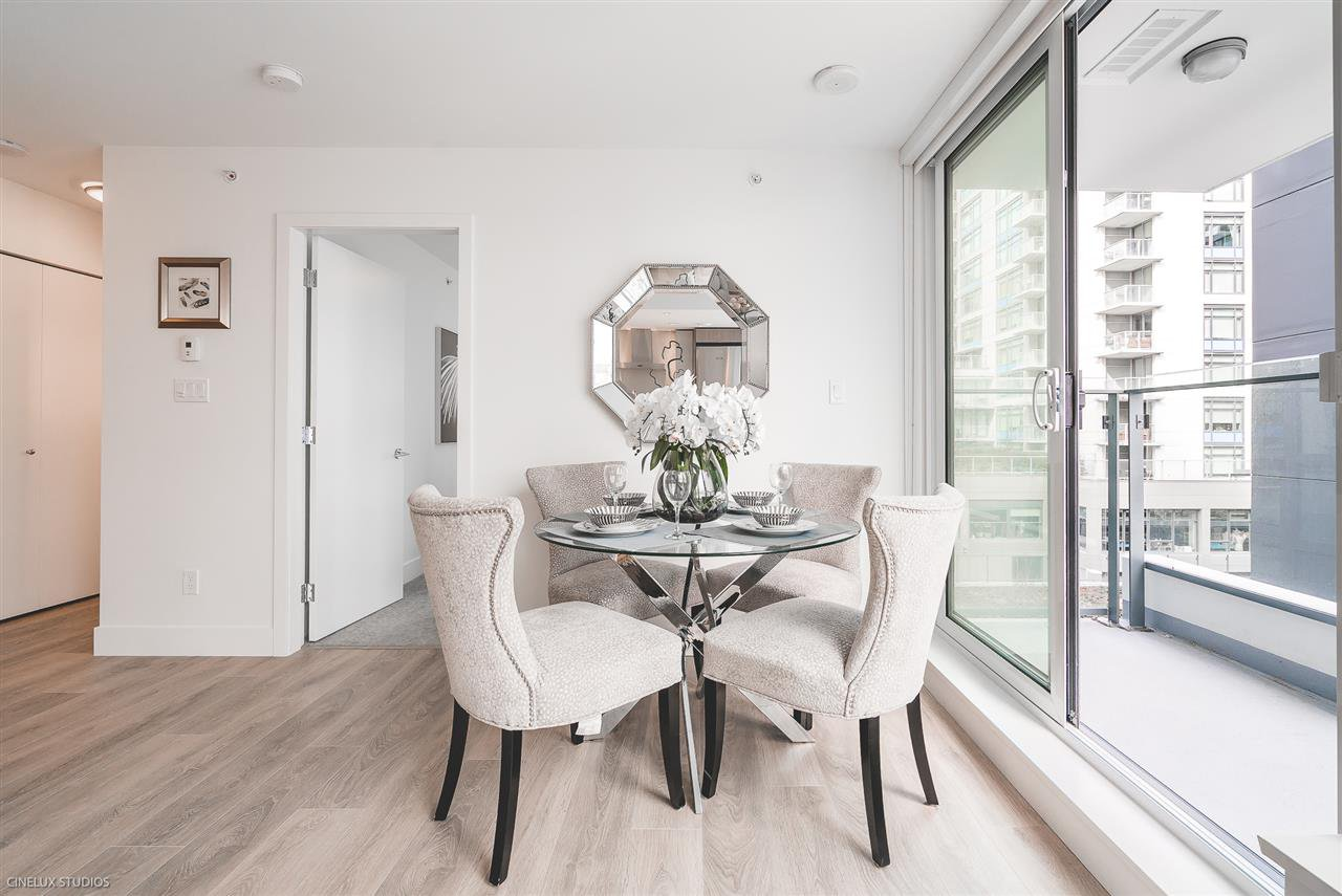 """Photo 8: Photos: 506 1788 COLUMBIA Street in Vancouver: False Creek Condo for sale in """"EPIC AT WEST"""" (Vancouver West)  : MLS®# R2267401"""
