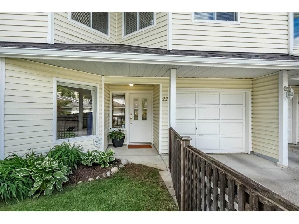 "Main Photo: 22 1190 FALCON Drive in Coquitlam: Eagle Ridge CQ Townhouse for sale in ""FALCON TERRACE"" : MLS®# R2267413"