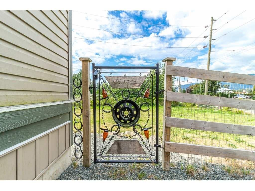Main Photo: 41480 NO. 5 Road in Abbotsford: Sumas Prairie House for sale : MLS®# R2301427