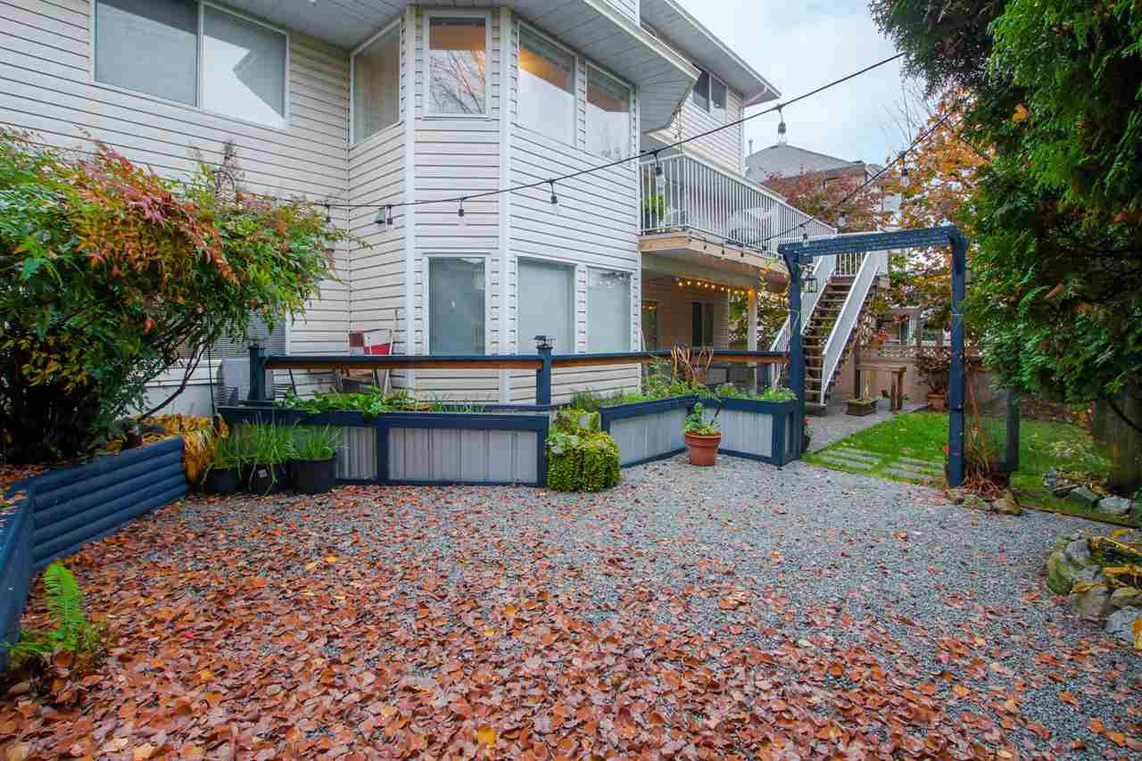 Photo 2: Photos: 2654 BREWSTER Drive in Coquitlam: Scott Creek House for sale : MLS®# R2319047
