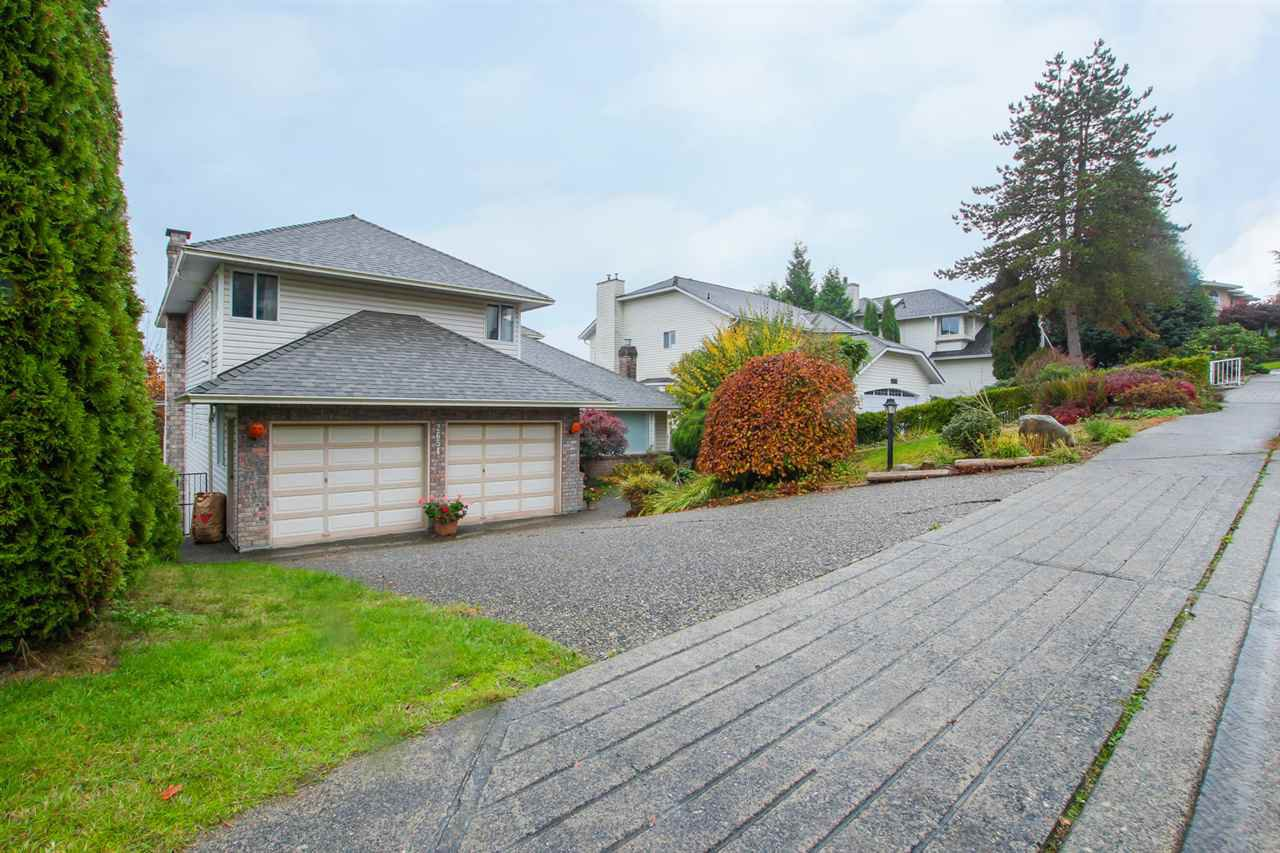 Main Photo: 2654 BREWSTER Drive in Coquitlam: Scott Creek House for sale : MLS®# R2319047