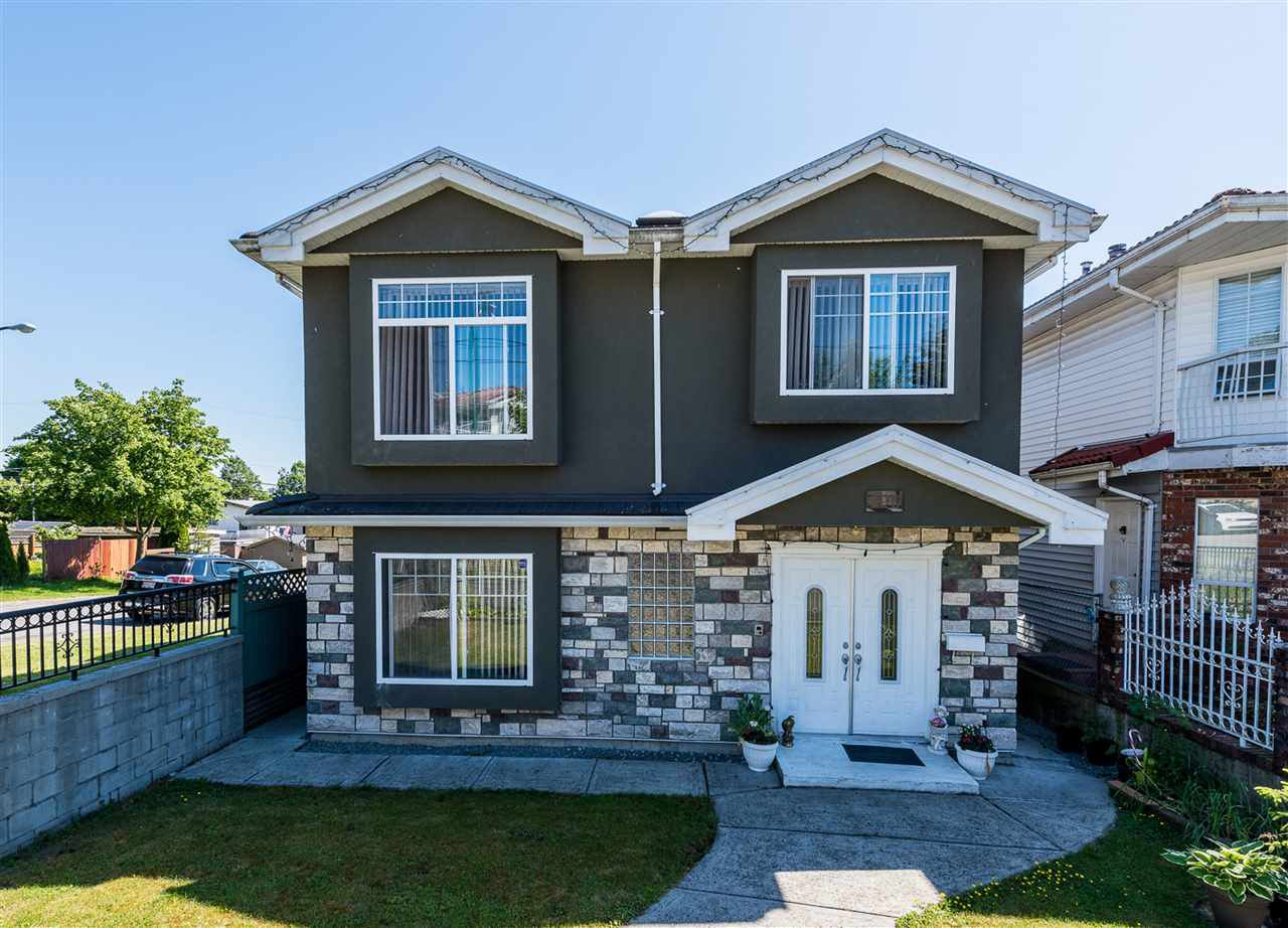Main Photo: 496 E 59TH Avenue in Vancouver: South Vancouver House for sale (Vancouver East)  : MLS®# R2353574