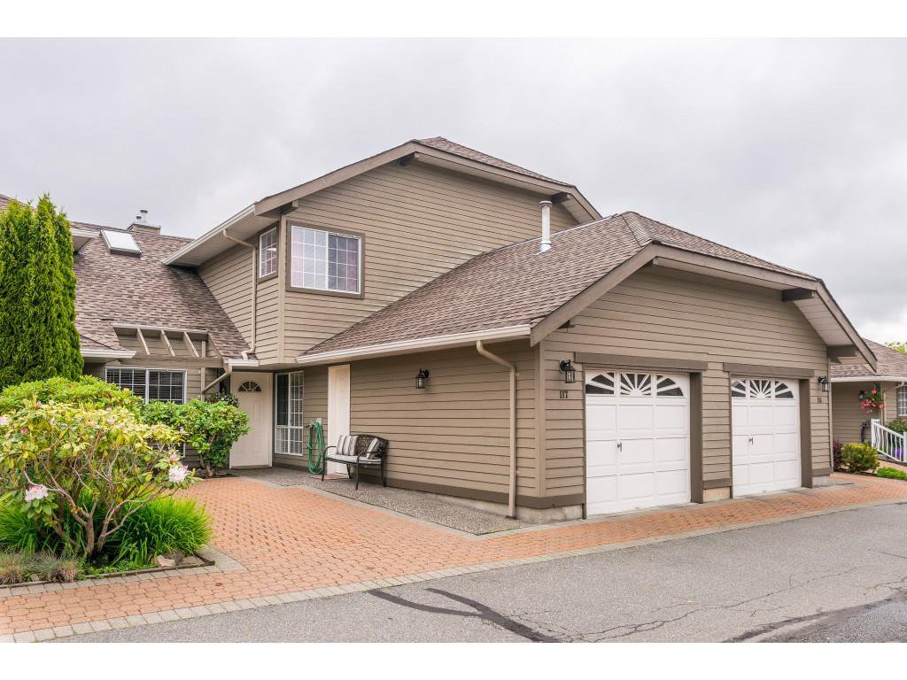 "Main Photo: 117 16275 15 Avenue in Surrey: King George Corridor Townhouse for sale in ""SUNRISE POINTE"" (South Surrey White Rock)  : MLS®# R2371222"