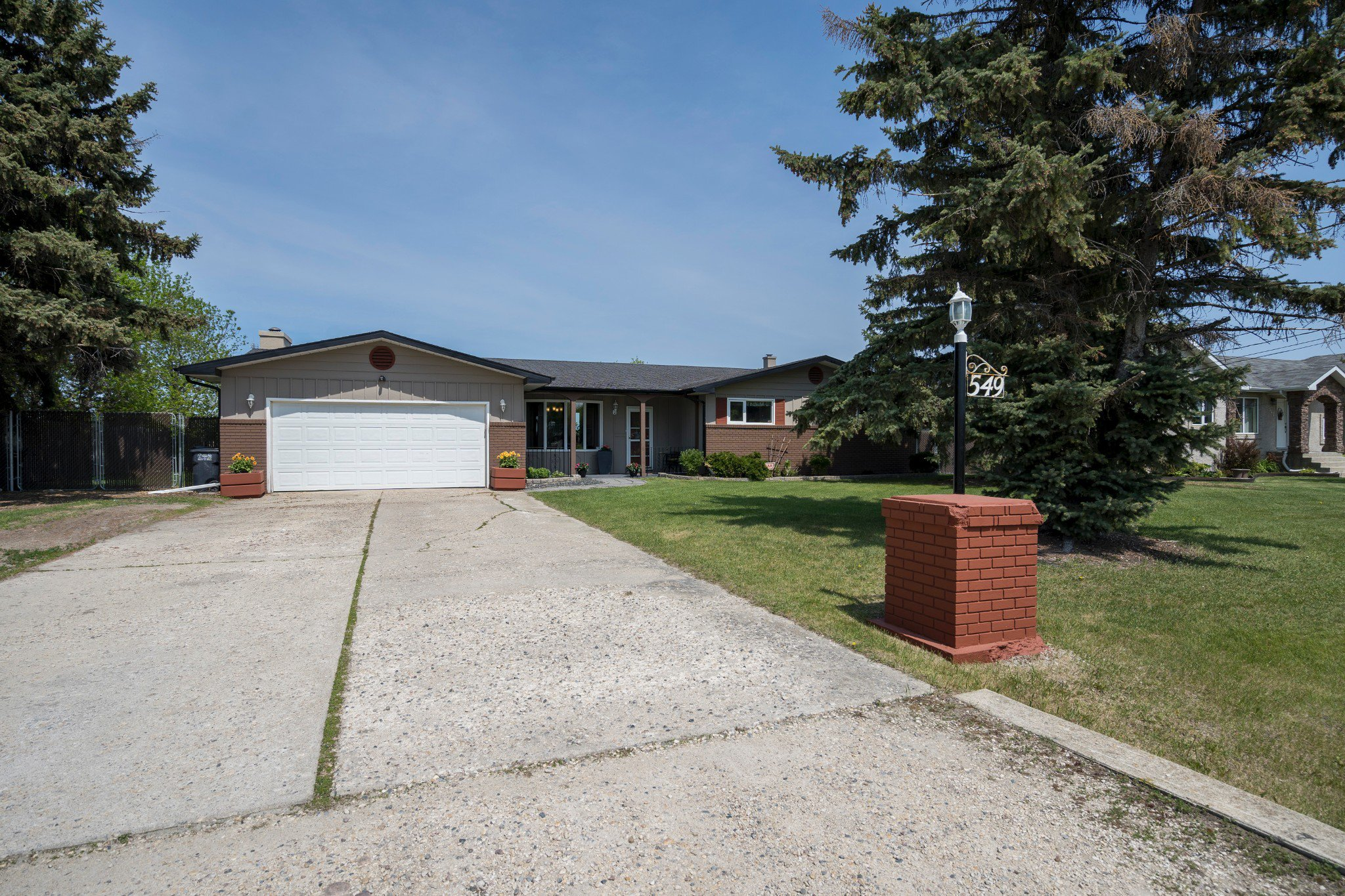 Main Photo: 549 ADDIS Avenue: West St Paul Residential for sale (R15)  : MLS®# 1914578