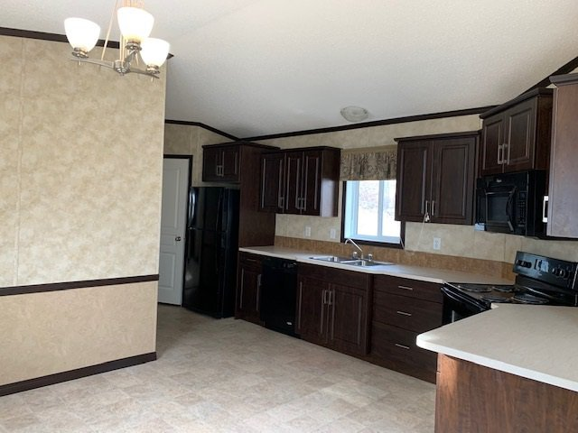 Photo 7: Photos: 8908 76 Street in Fort St. John: Fort St. John - City SE Manufactured Home for sale (Fort St. John (Zone 60))  : MLS®# R2416561