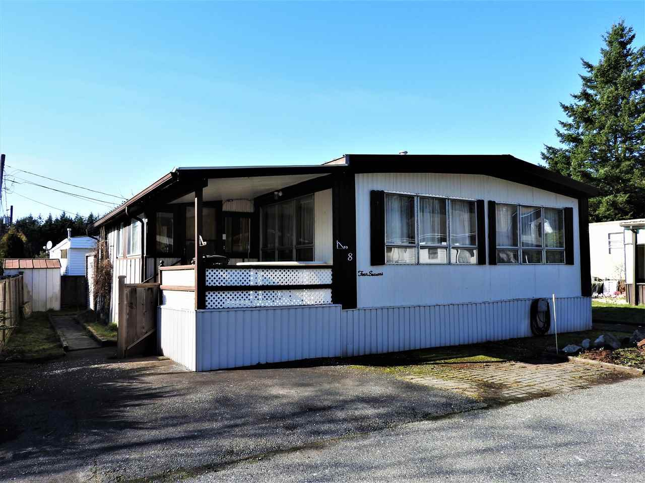 "Main Photo: 8 3031 200TH Street in Langley: Brookswood Langley Manufactured Home for sale in ""CEDAR CREEK"" : MLS®# R2462512"