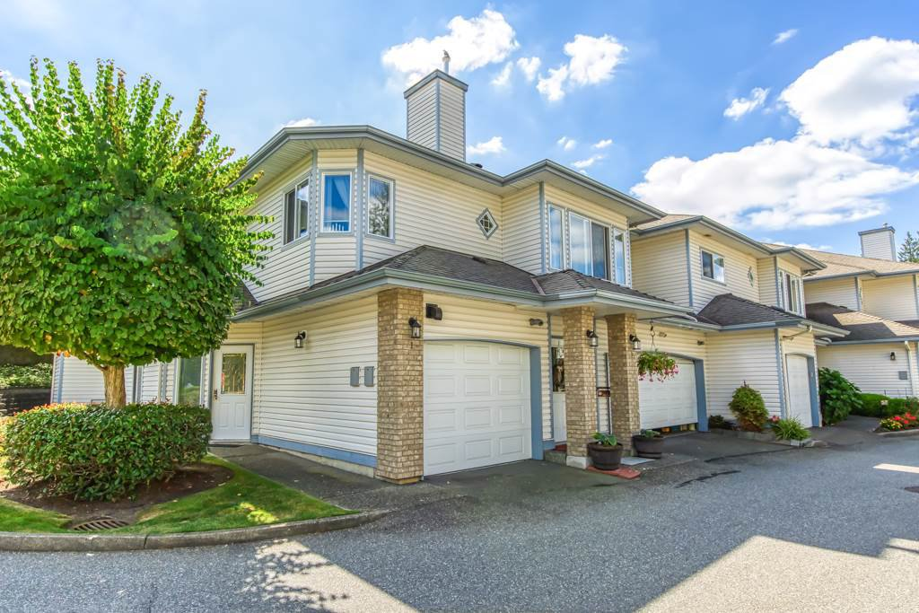 """Main Photo: 1 21579 88B Avenue in Langley: Walnut Grove Townhouse for sale in """"Carriage Park"""" : MLS®# R2494791"""