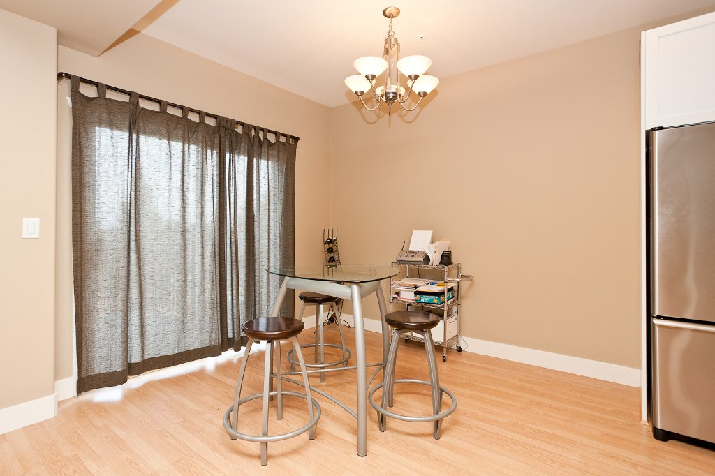 Photo 8: Photos: 1863 PITT RIVER Road in Port Coquitlam: Lower Mary Hill House for sale : MLS®# V874372