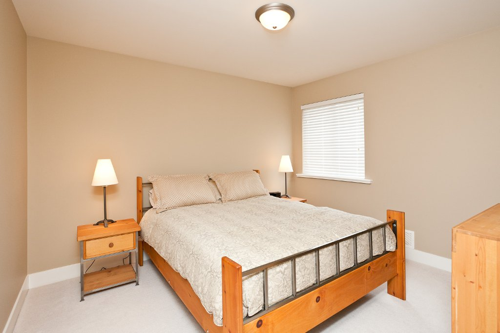 Photo 13: Photos: 1863 PITT RIVER Road in Port Coquitlam: Lower Mary Hill House for sale : MLS®# V874372