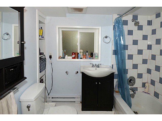 Photo 14: Photos: 2371 ADANAC Street in Vancouver: Hastings House for sale (Vancouver East)  : MLS®# V1085430