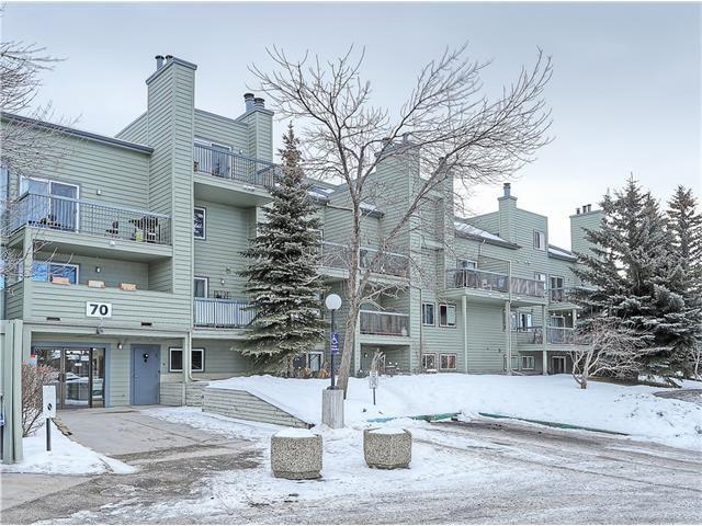 Main Photo: 2136 70 GLAMIS Drive SW in Calgary: Glamorgan Condo for sale : MLS®# C4046323