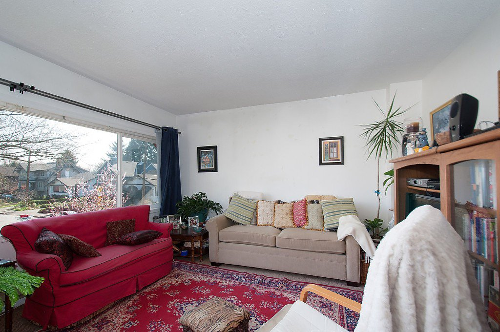 Photo 11: Photos: 2043 COLLINGWOOD Street in Vancouver: Kitsilano House for sale (Vancouver West)  : MLS®# R2044911