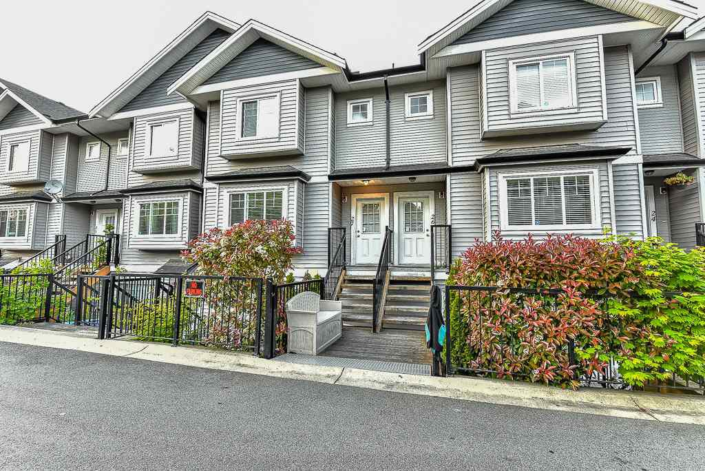 """Main Photo: 27 11255 132 Street in Surrey: Bridgeview Townhouse for sale in """"Fraserview Terrace"""" (North Surrey)  : MLS®# R2064332"""