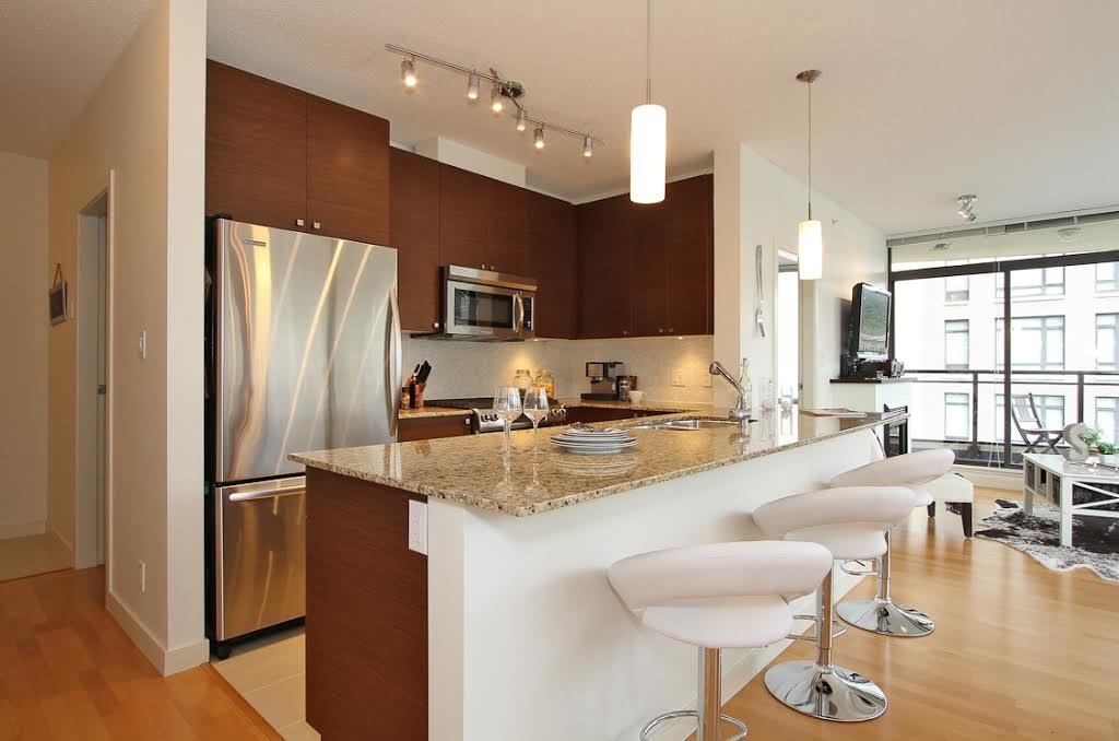 Main Photo: 304 110 BREW Street in Port Moody: Port Moody Centre Condo for sale : MLS®# R2083005