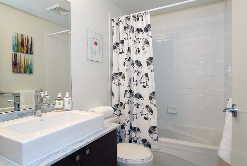 Photo 10: Photos: 304 110 BREW Street in Port Moody: Port Moody Centre Condo for sale : MLS®# R2083005