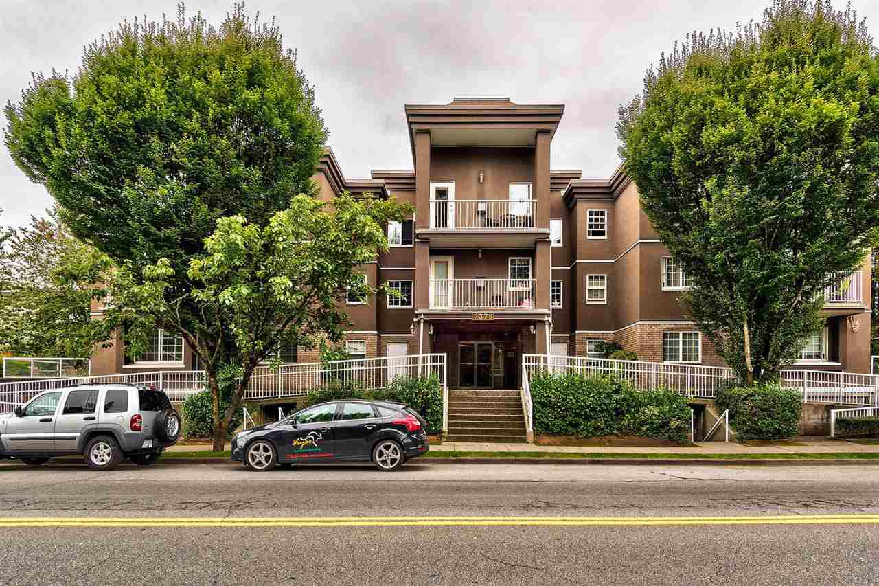 "Main Photo: 105 2375 SHAUGHNESSY Street in Port Coquitlam: Central Pt Coquitlam Condo for sale in ""CONNAMARA PLACE"" : MLS®# R2094939"