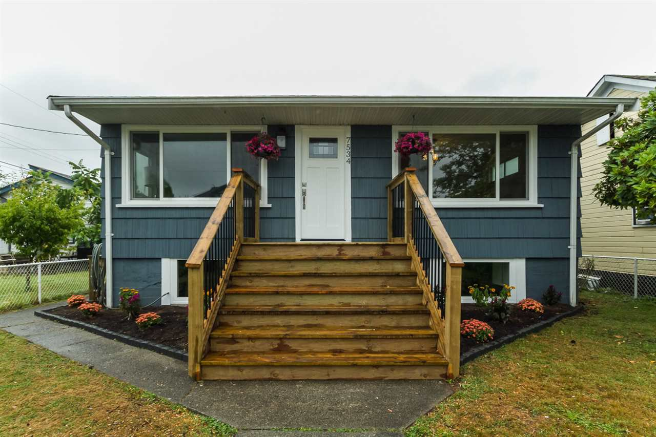 Main Photo: 7534 WELTON Street in Mission: Mission BC House for sale : MLS®# R2097275