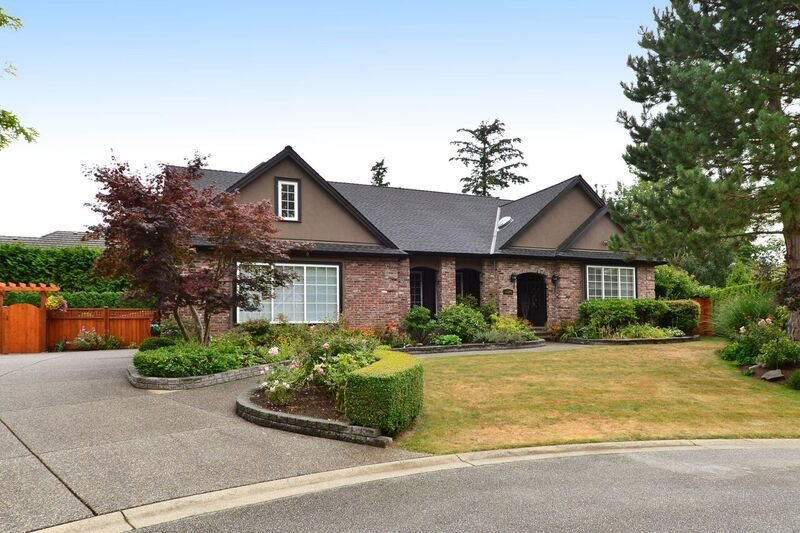 "Main Photo: 13920 21A Avenue in Surrey: Elgin Chantrell House for sale in ""Elgin Chantrell"" (South Surrey White Rock)  : MLS®# R2096968"