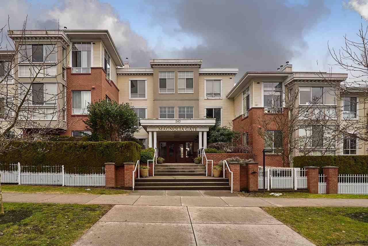 "Main Photo: 310 360 E 36TH Avenue in Vancouver: Main Condo for sale in ""MAGNOLIA GATE"" (Vancouver East)  : MLS®# R2134972"
