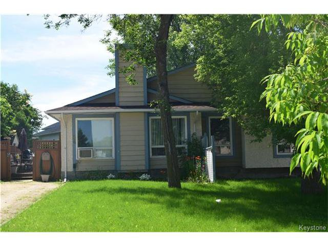 Main Photo: 54 East Lake Drive in Winnipeg: Waverley Heights Residential for sale (1L)  : MLS®# 1705746
