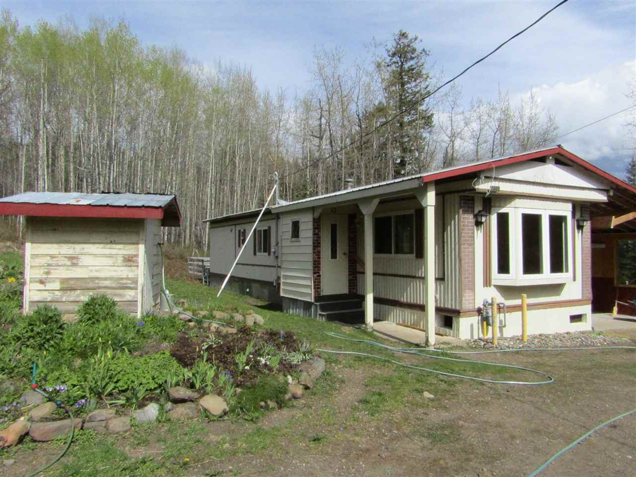 Main Photo: 2662 ROSE Drive in Williams Lake: Williams Lake - Rural East Manufactured Home for sale (Williams Lake (Zone 27))  : MLS®# R2168537