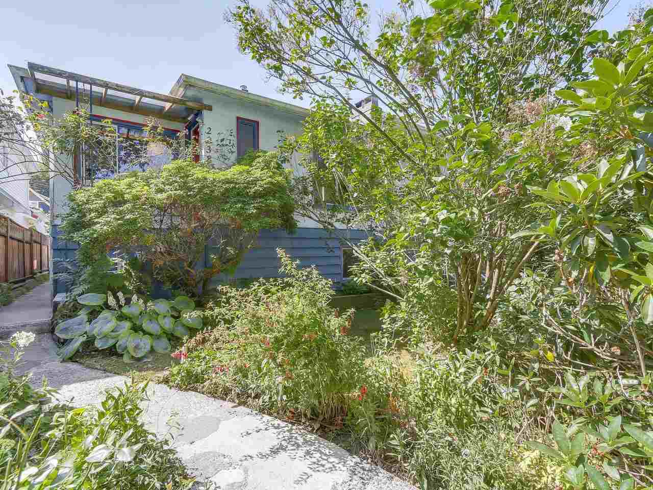 Main Photo: 2038 E 2ND Avenue in Vancouver: Grandview VE House for sale (Vancouver East)  : MLS®# R2193102