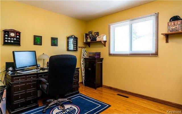 Photo 7: Photos: 418 Golf Boulevard in Winnipeg: Westwood Residential for sale (5G)  : MLS®# 1722817