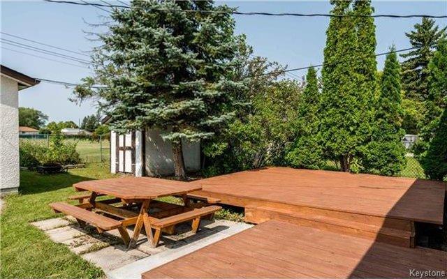 Photo 14: Photos: 418 Golf Boulevard in Winnipeg: Westwood Residential for sale (5G)  : MLS®# 1722817