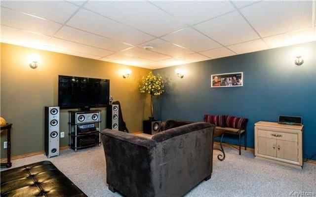 Photo 9: Photos: 418 Golf Boulevard in Winnipeg: Westwood Residential for sale (5G)  : MLS®# 1722817