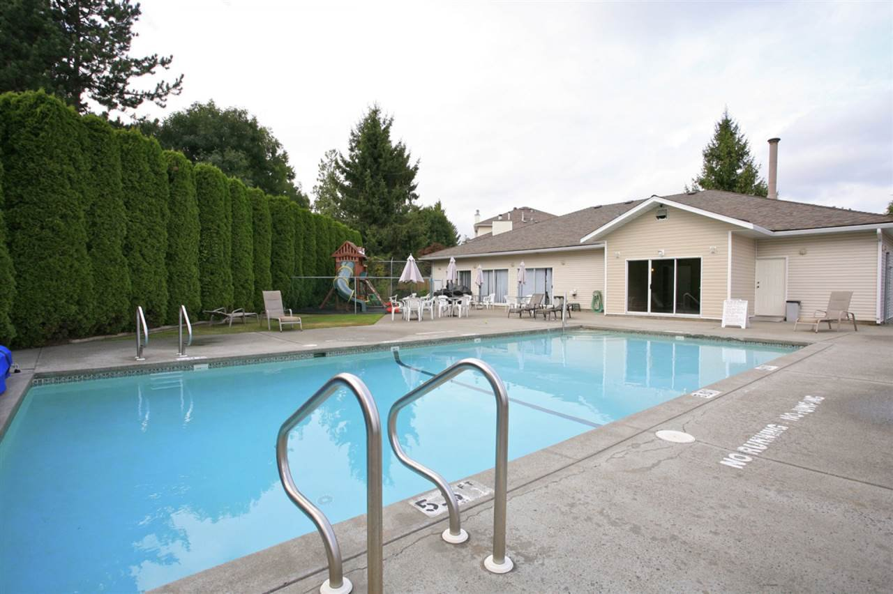 """Photo 17: Photos: 4 13958 72 Avenue in Surrey: East Newton Townhouse for sale in """"Upton Place North"""" : MLS®# R2201610"""