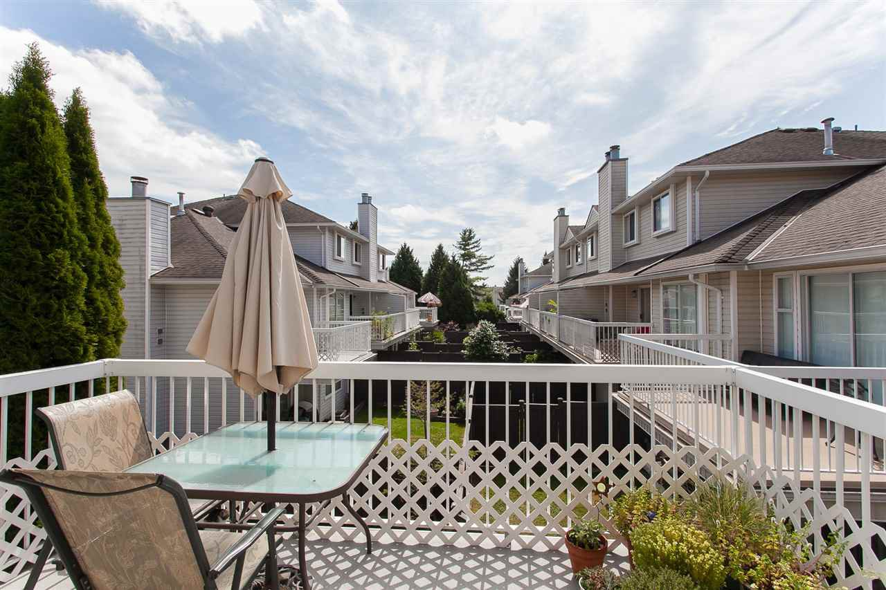 """Photo 6: Photos: 4 13958 72 Avenue in Surrey: East Newton Townhouse for sale in """"Upton Place North"""" : MLS®# R2201610"""