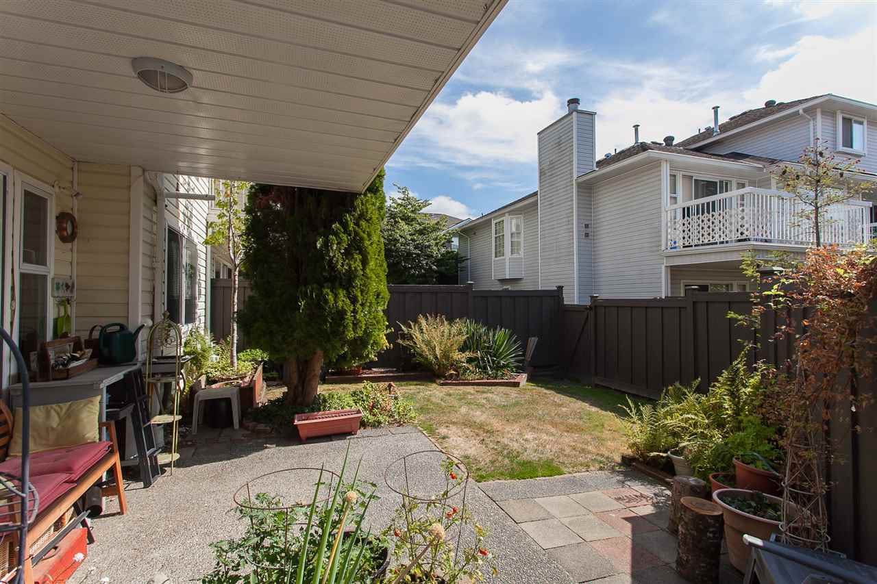 """Photo 19: Photos: 4 13958 72 Avenue in Surrey: East Newton Townhouse for sale in """"Upton Place North"""" : MLS®# R2201610"""