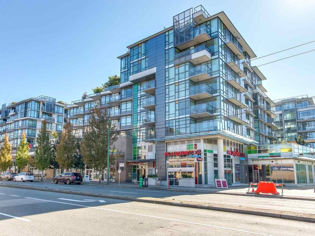 "Main Photo: 375 2080 W BROADWAY in Vancouver: Kitsilano Condo for sale in ""PINNACLE LIVING ON BROADWAY"" (Vancouver West)  : MLS®# R2211453"