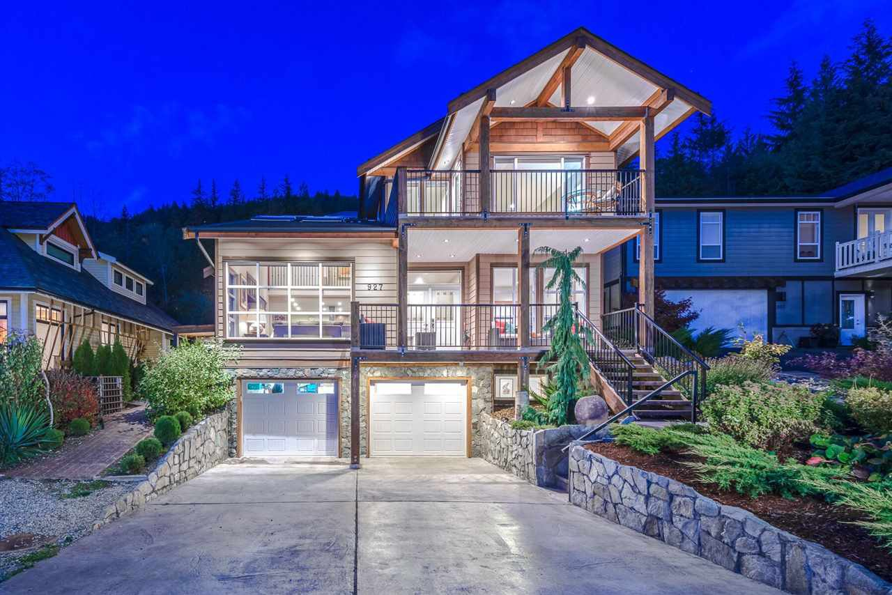 Main Photo: 927 THISTLE PLACE in Squamish: Britannia Beach House for sale : MLS®# R2214646