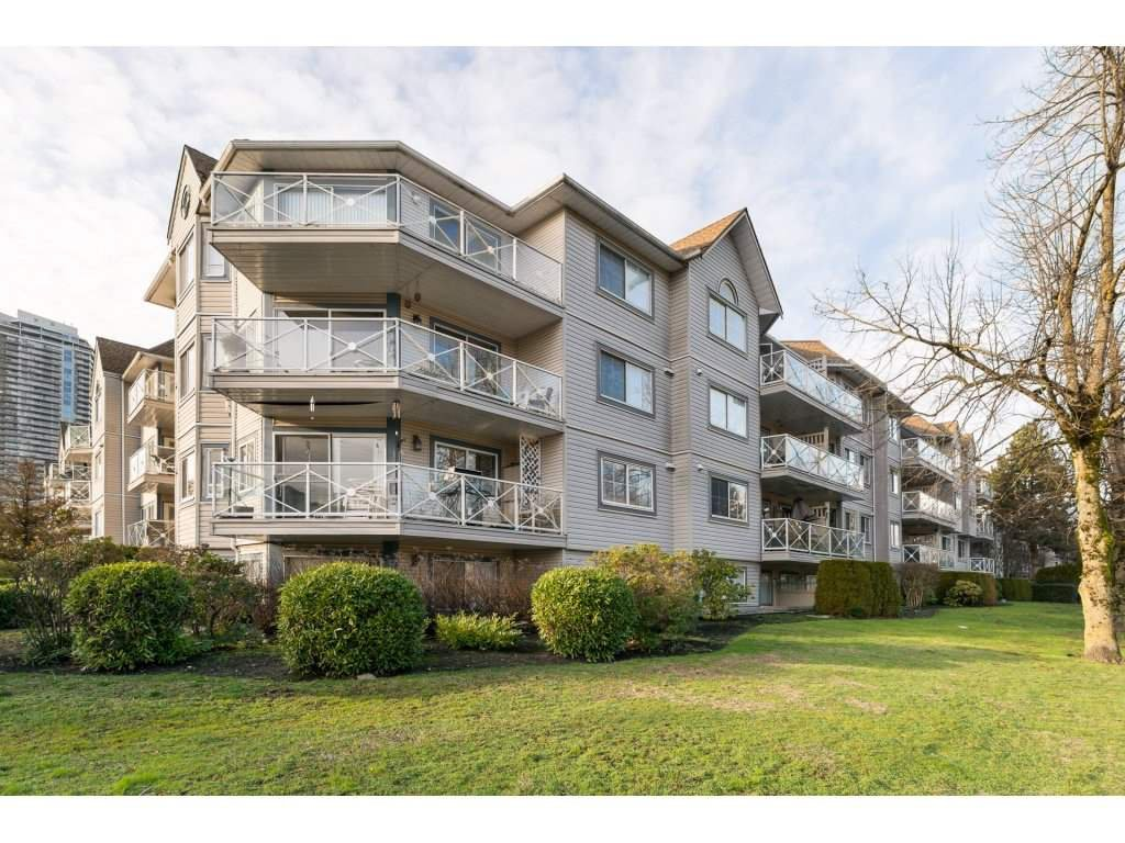 "Main Photo: 522 12101 80 Avenue in Surrey: Queen Mary Park Surrey Condo for sale in ""SURREY TOWN MANOR"" : MLS®# R2233224"