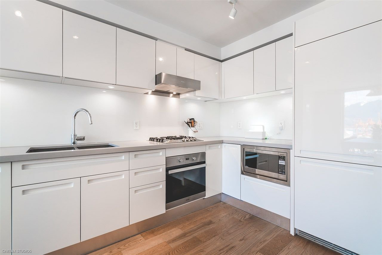 "Main Photo: 1806 188 KEEFER Street in Vancouver: Downtown VE Condo for sale in ""188 KEEFER"" (Vancouver East)  : MLS®# R2257646"