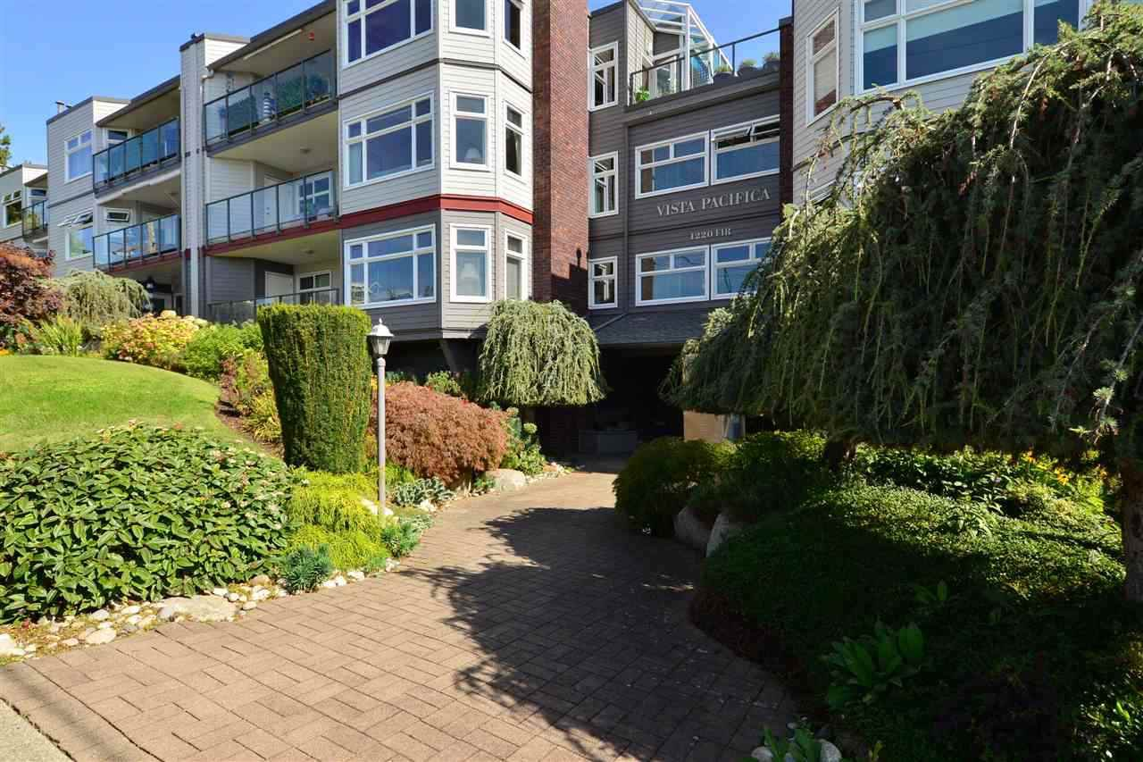 "Main Photo: 403 1220 FIR Street: White Rock Condo for sale in ""VISTA PACIFICA"" (South Surrey White Rock)  : MLS®# R2332976"