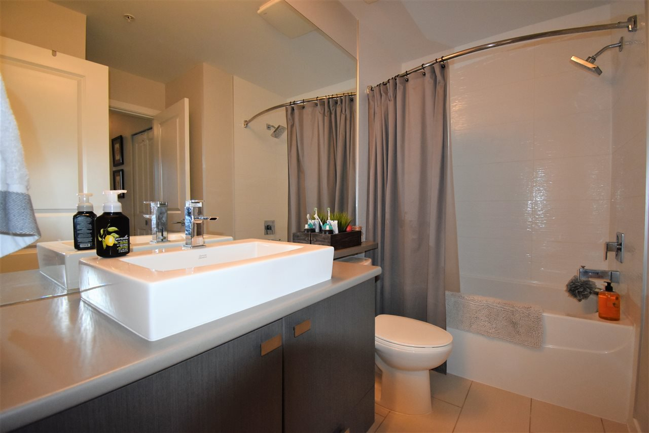 """Photo 15: Photos: 401 5655 210A Street in Langley: Salmon River Condo for sale in """"Cornerstone North"""" : MLS®# R2335974"""