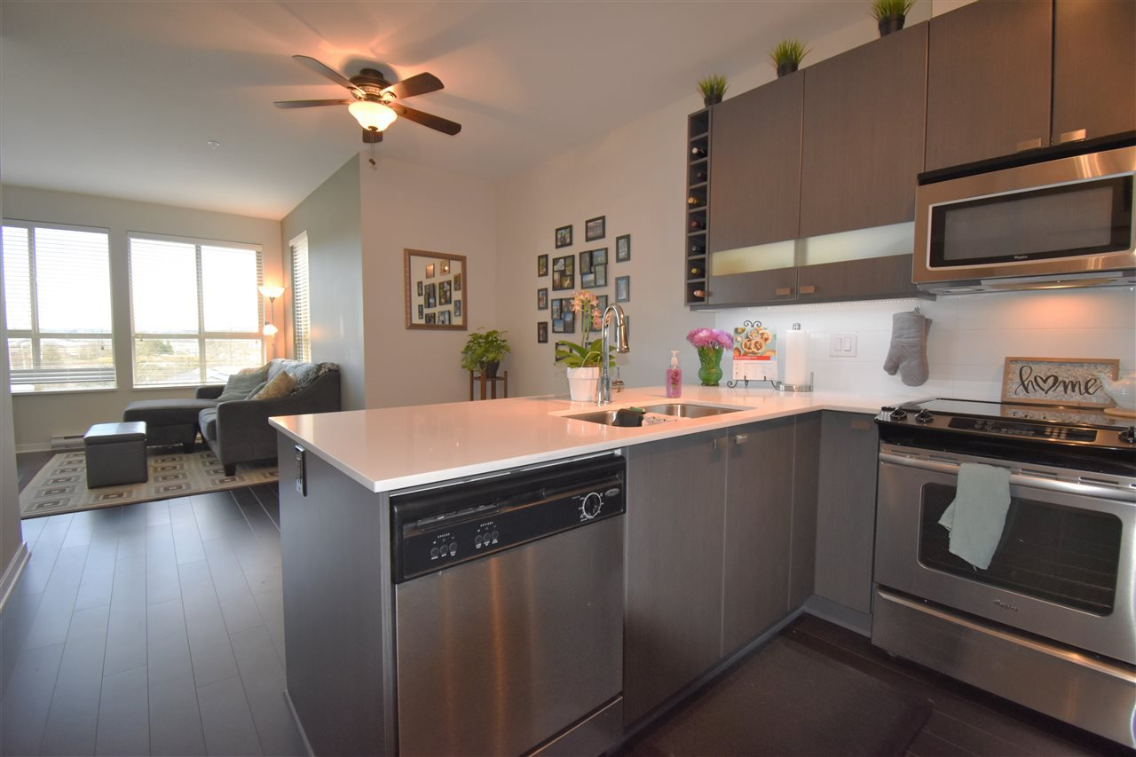 """Photo 8: Photos: 401 5655 210A Street in Langley: Salmon River Condo for sale in """"Cornerstone North"""" : MLS®# R2335974"""