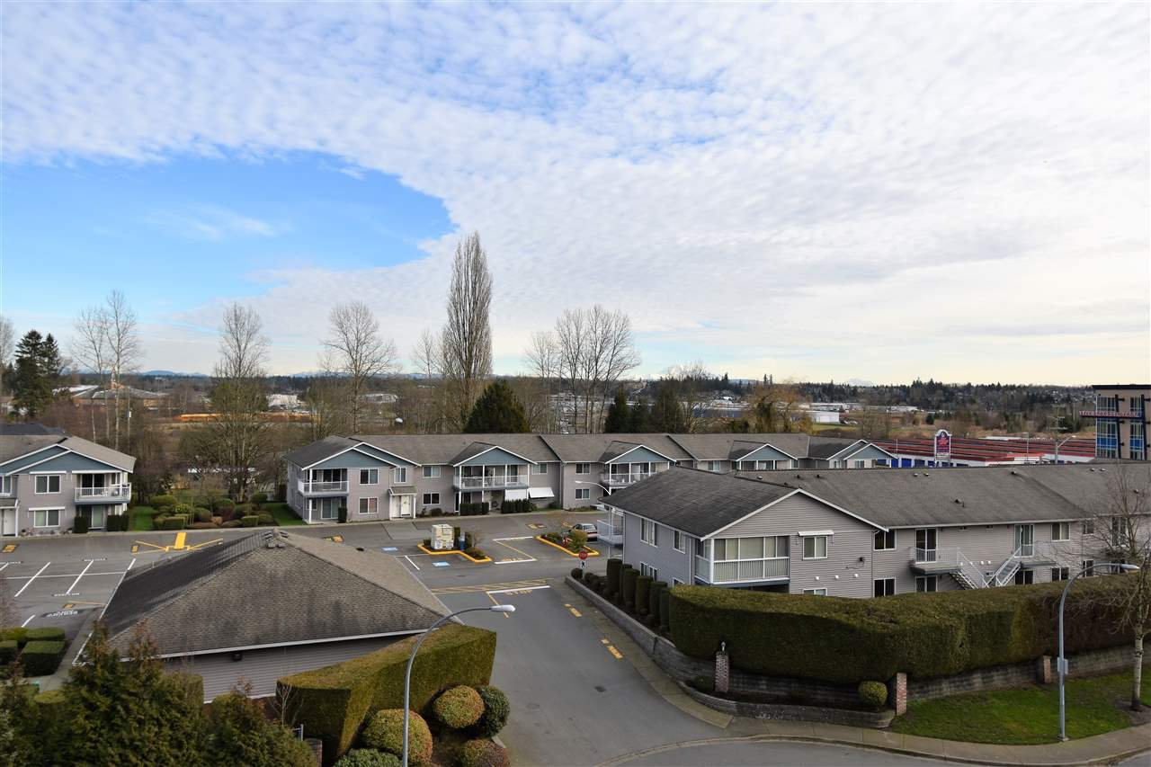 """Photo 13: Photos: 401 5655 210A Street in Langley: Salmon River Condo for sale in """"Cornerstone North"""" : MLS®# R2335974"""