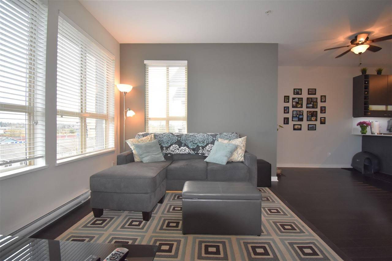 """Photo 5: Photos: 401 5655 210A Street in Langley: Salmon River Condo for sale in """"Cornerstone North"""" : MLS®# R2335974"""