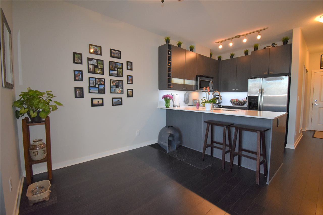"""Photo 9: Photos: 401 5655 210A Street in Langley: Salmon River Condo for sale in """"Cornerstone North"""" : MLS®# R2335974"""
